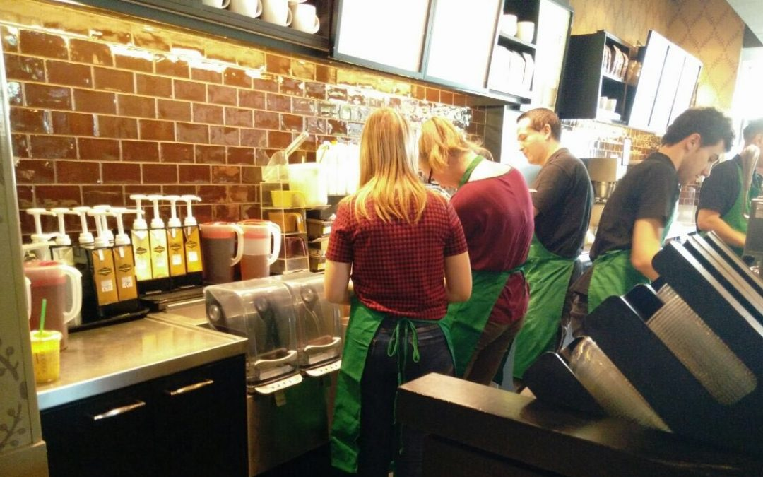 Bonner Mentees als Baristas bei Starbucks in Bonn