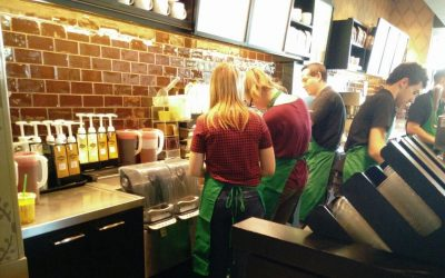 Bonner Mentees als Baristas bei Starbucks in Bonn